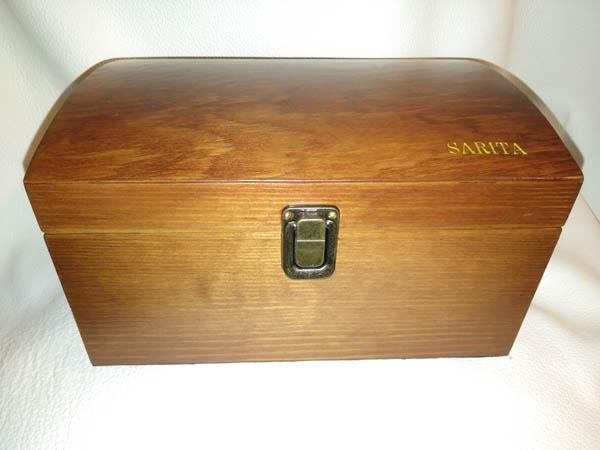 Caja de música en madera de pino envejecida